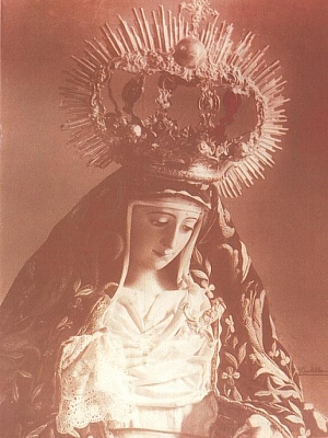 La Virgen  vestida de Dolorosa.  1950
