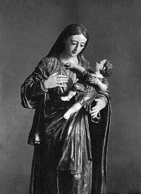 La Stma. Virgen en su talla  completa.